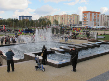 Белорусь. г.Жлобин — 2013 г. СВЕТОМУЗЫКАЛЬНЫЙ ФОНТАН