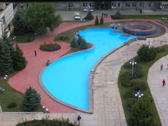 южноукраинск - реконструкция декоративного бассейна